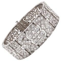 Art Deco Inspired Round Cut White Diamonds 13.8 Carat Platinum Link Bracelet