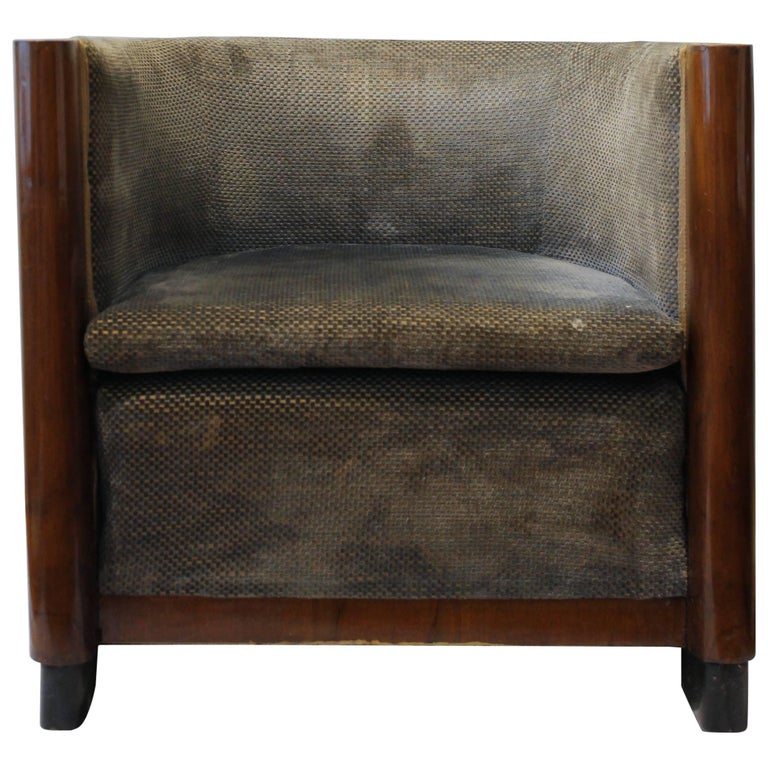 Italian armchair, dated circa 1935. Walnut structure and velvet upholstery, probably recovered in late 1960s.