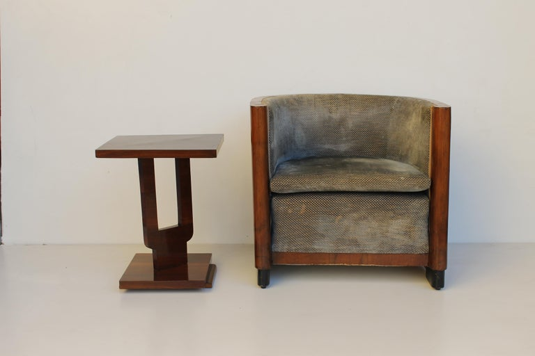 Art Deco Italian Armchair in Walnut, Grey and Light Blue Upholstery, 1930s For Sale 2