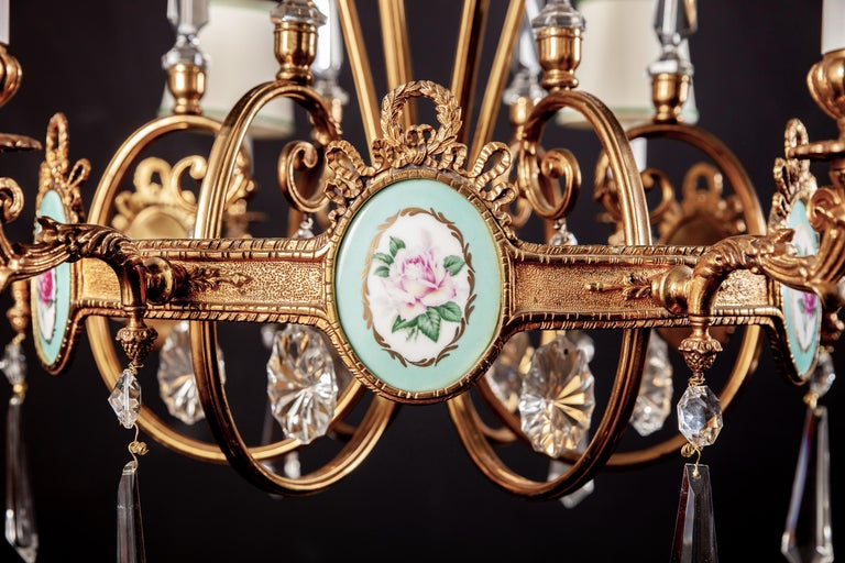 Art Deco Italian Brass Chandelier with Charming Porcelain Insert, 1940 In Good Condition For Sale In Rome, IT