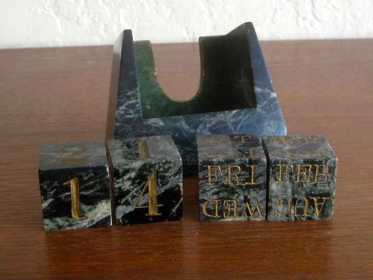 Art Deco Italian Carved Green Marble Perpetual Day/Date/Month Desk Calendar For Sale 3