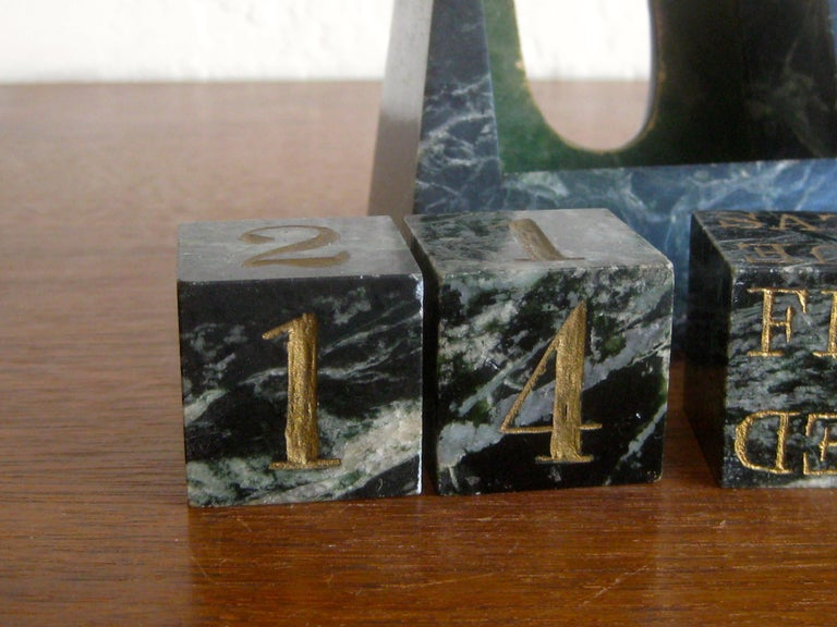 Art Deco Italian Carved Green Marble Perpetual Day/Date/Month Desk Calendar For Sale 4