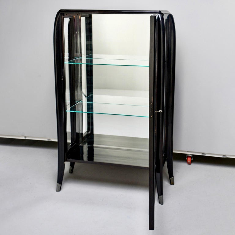 Art Deco Italian Glazed Cabinet with Glass Shelves For Sale 1