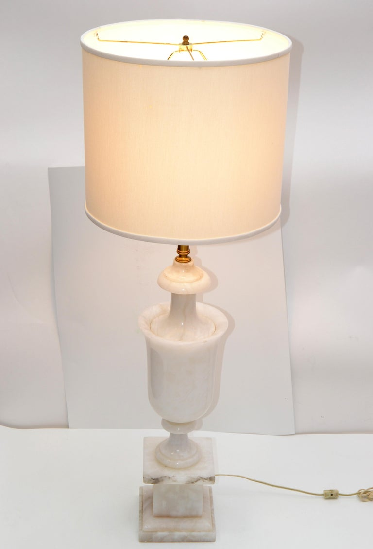 Art Deco Italian White Carrara Marble Hand Carved Table Lamp For Sale 7