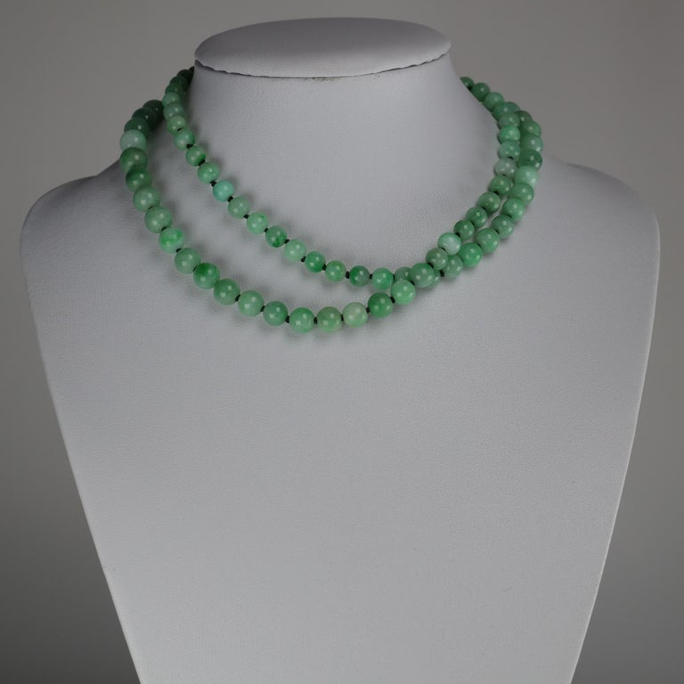 Art Deco Jade Necklace In Excellent Condition For Sale In Southbury, CT