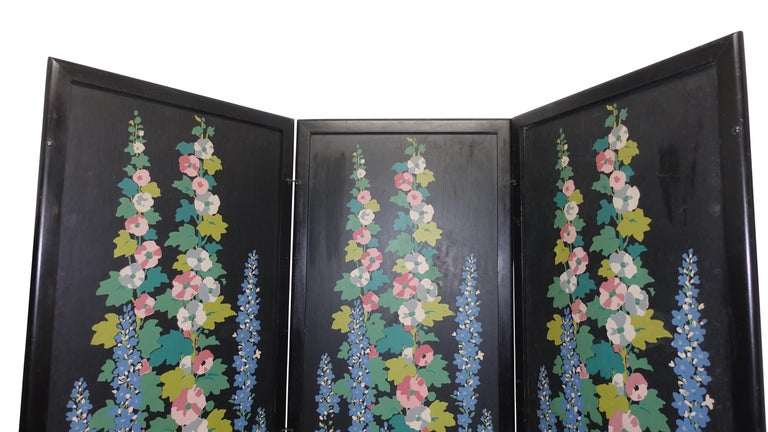 20th Century Art Deco Japanesque Silk Screen on Wood Folding Screen, American, circa 1920 For Sale