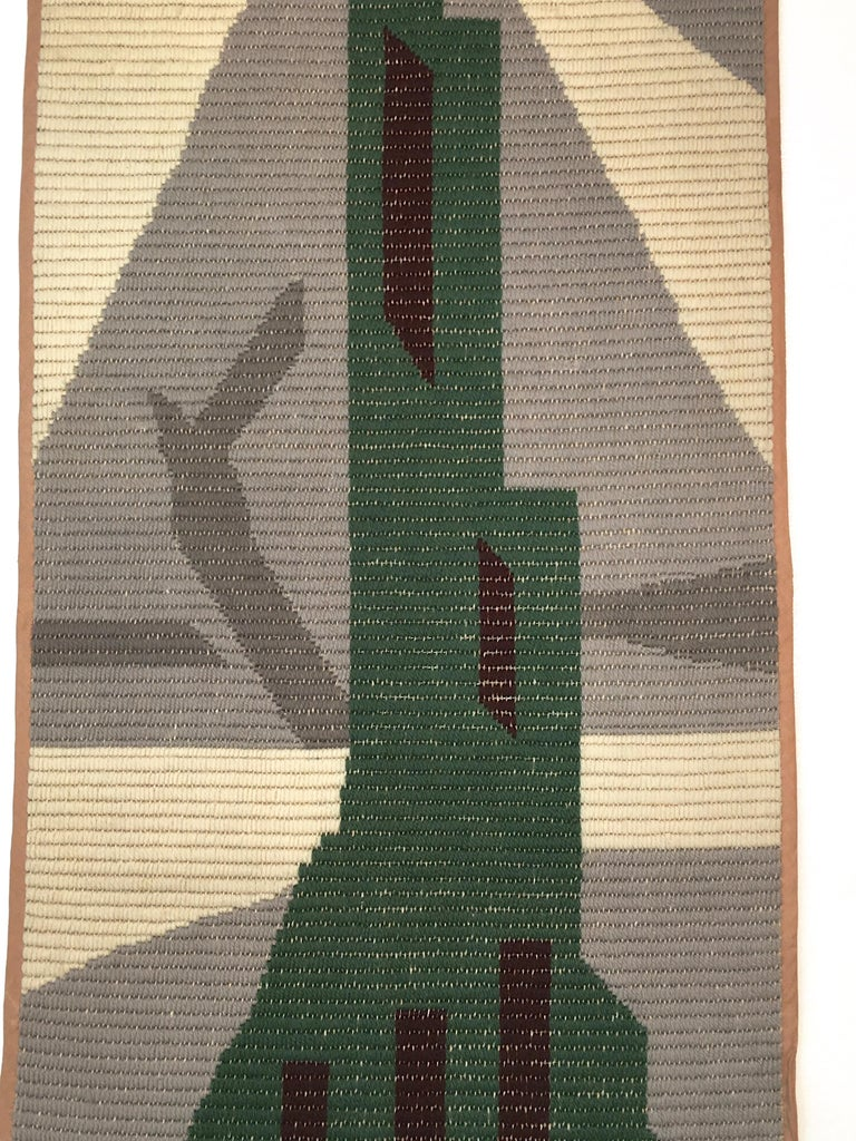 Art Deco Knit Tapestry Skyscraper Design In Good Condition For Sale In Hingham, MA