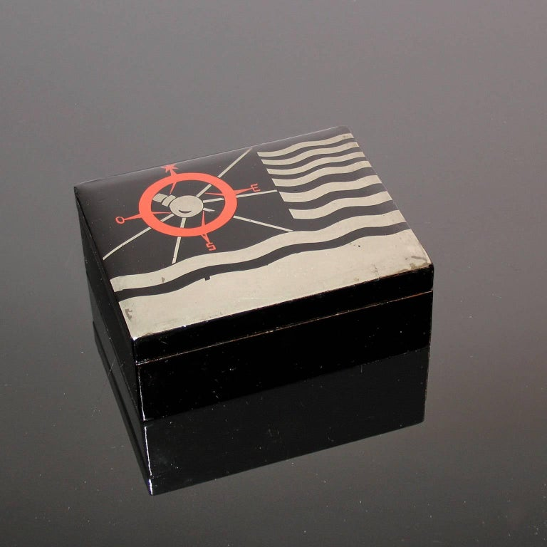 Art Deco lacquered decorative jewelry box.