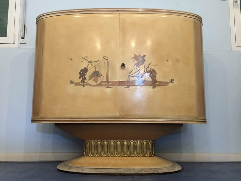 Italian Art Deco Lacquered Wood Parchment Bar Cabinet, Galleria Mobili Cantù Italy, 1950 For Sale