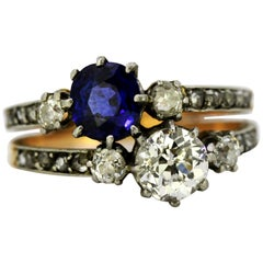 Art Deco Ladies 18 Karat Gold Ring with Natural Blue Sapphire and Diamonds