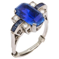 Art Deco  Large Oval Natural Sapphire Ring with Diamonds set in Platinum