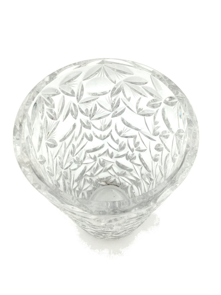 Art Deco Large Vintage Lead Crystal Cut Vase, circa 1940 In Good Condition For Sale In Beuzevillette, FR
