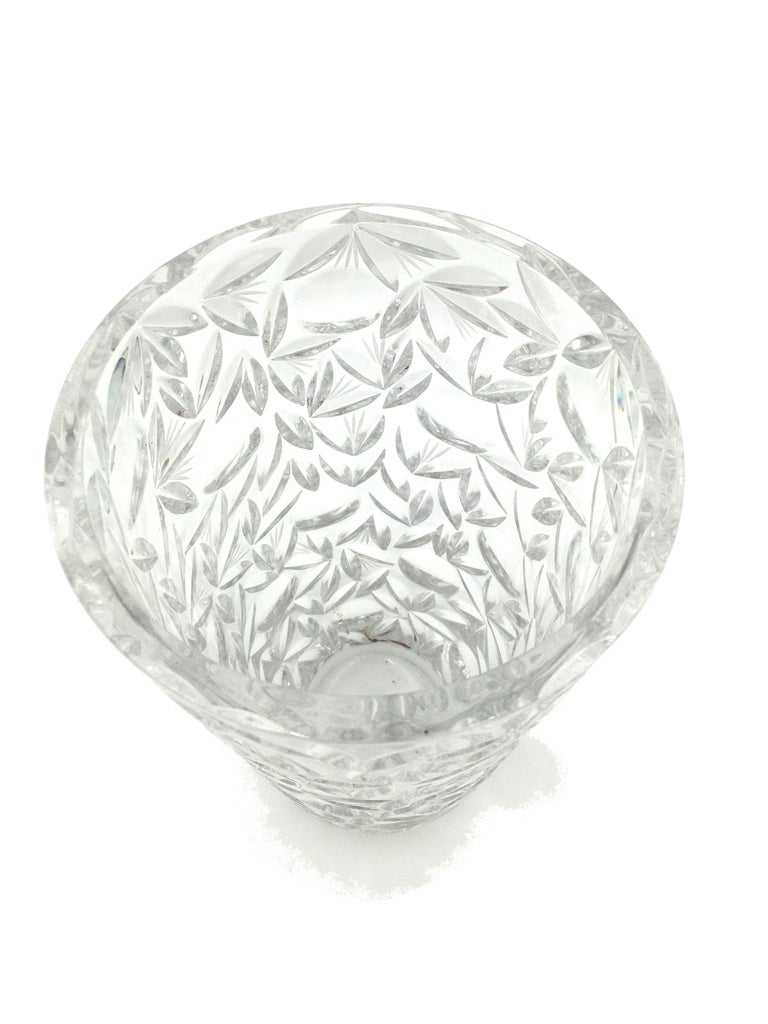 Mid-20th Century Art Deco Large Vintage Lead Crystal Cut Vase, circa 1940 For Sale