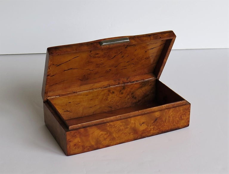 Art Deco Lidded Box of Bird's-Eye Maple with Chrome Handle, French circa 1925 For Sale 10