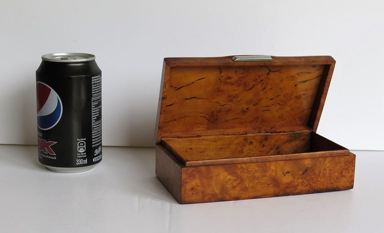 Art Deco Lidded Box of Bird's-Eye Maple with Chrome Handle, French circa 1925 For Sale 14