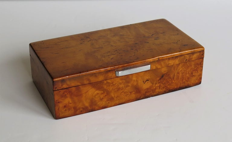 Hand-Crafted Art Deco Lidded Box of Bird's-Eye Maple with Chrome Handle, French circa 1925 For Sale