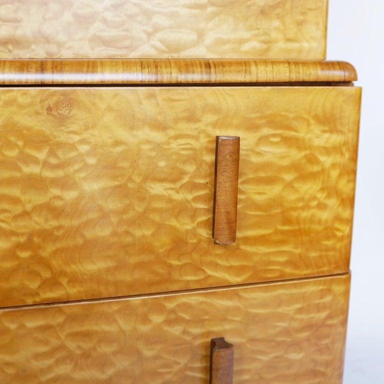 Mid-20th Century Art Deco Linen Cabinet Satin Birch and Walnut Veneered, English, Circa 1935