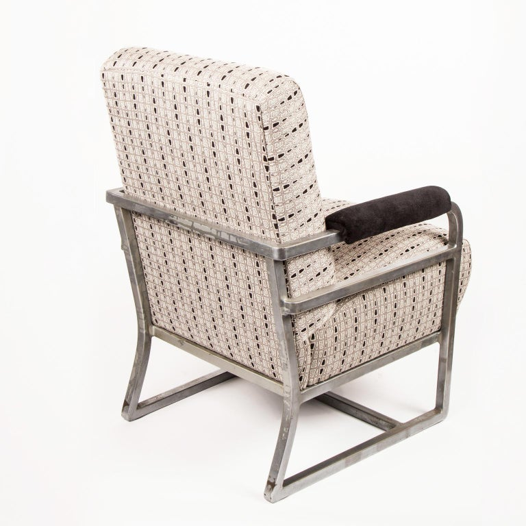 American Art Deco machine Age Chrome Steel Lounge Chair after Raymond Loewy For Sale