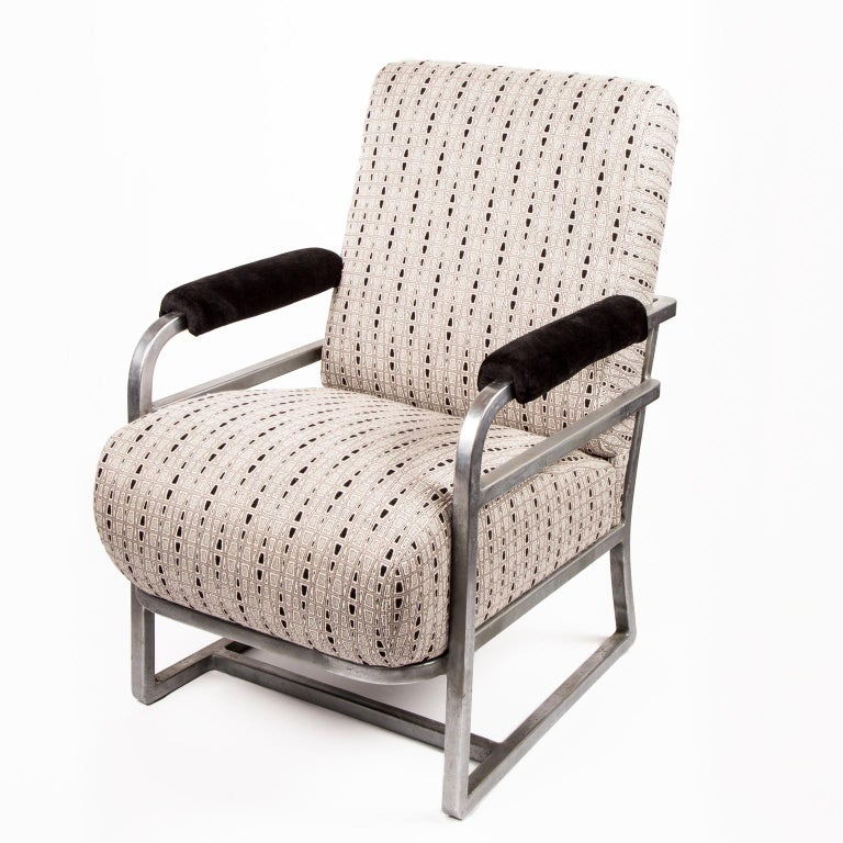 Art Deco machine Age Chrome Steel Lounge Chair after Raymond Loewy In Good Condition For Sale In Denver, CO