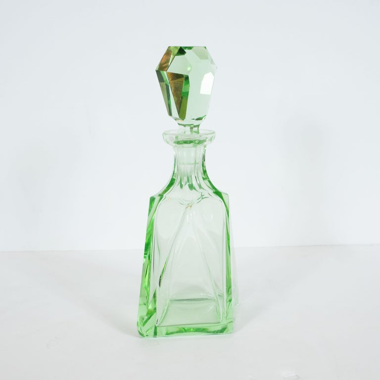 Art Deco Machine Age Czech Five-Piece Faceted Emerald Glass Decanter Set For Sale 2