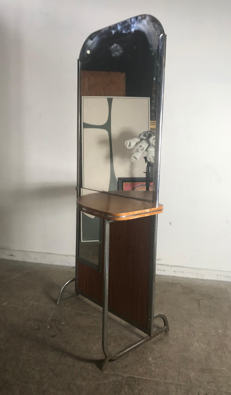 Art Deco Machine Age Double Sided Theater Dressing Room Table,Vanity Mirror In Good Condition For Sale In Buffalo, NY