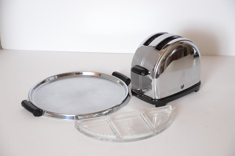 Art Deco Machine Age Sunbeam T-9 Toaster Iconic Patented Complete Breakfast Set In Good Condition For Sale In Dallas, TX