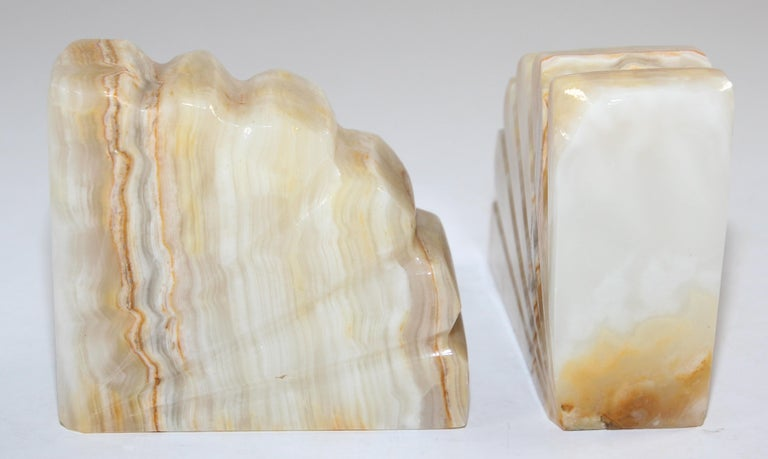 Art Deco Marble Bookends Hand Carved Scallop Shell Design, French, Ca 1940s For Sale 4