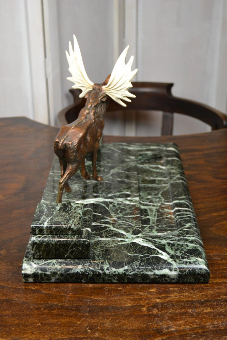 Art Deco Marble Inkwell with Bronze Moose, Ashtray and Ink Dryer, Europe In Good Condition For Sale In Antwerp, BE