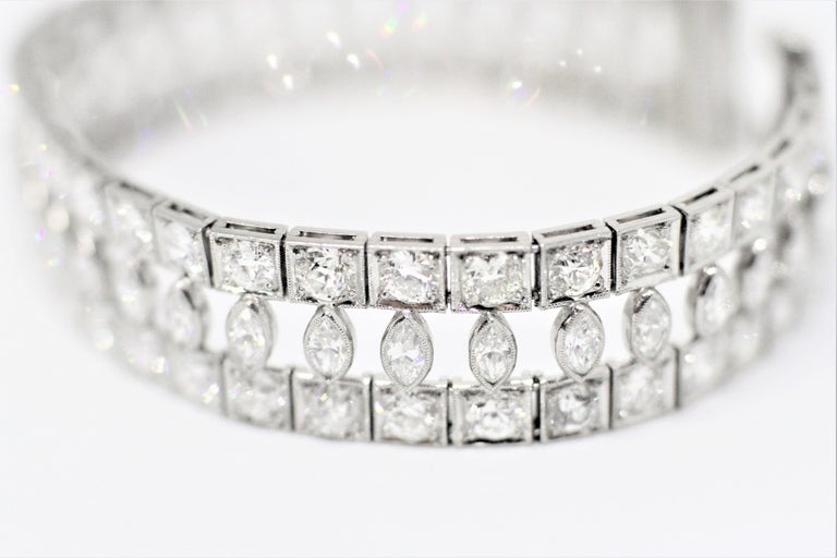 Art Deco Marquise and Round Old Cut Diamond Platinum Bracelet, circa 1920s In Excellent Condition For Sale In London, GB