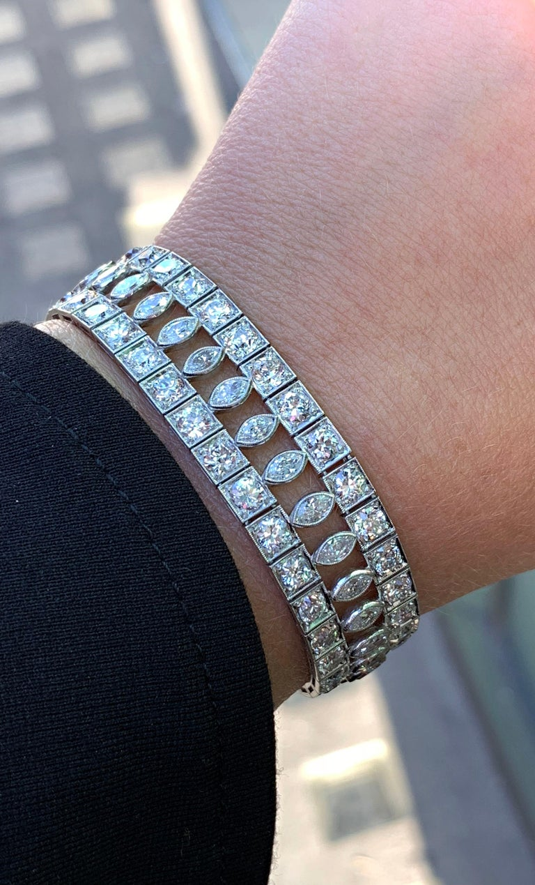 Art Deco Marquise and Round Old Cut Diamond Platinum Bracelet, circa 1920s For Sale 1