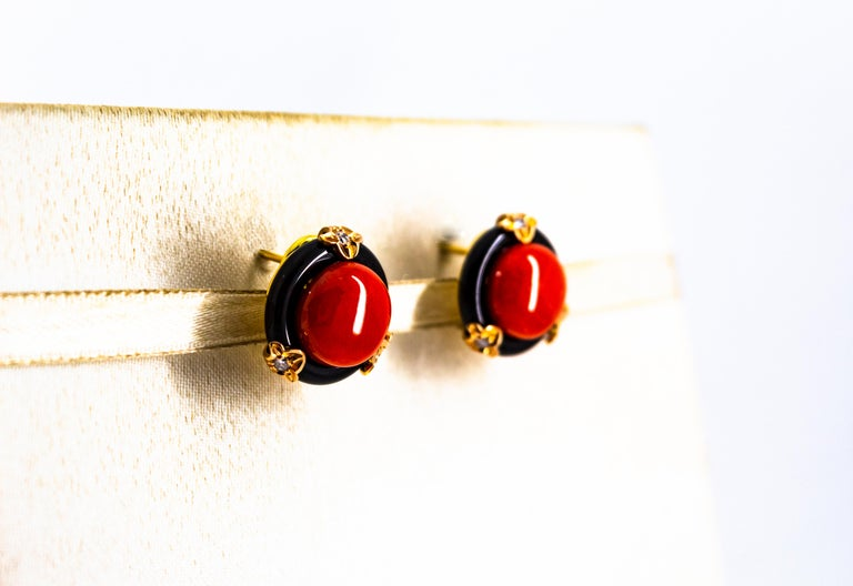 Art Deco Mediterranean Red Coral Onyx White Diamond Yellow Gold Clip-On Earrings In New Condition For Sale In Naples, IT