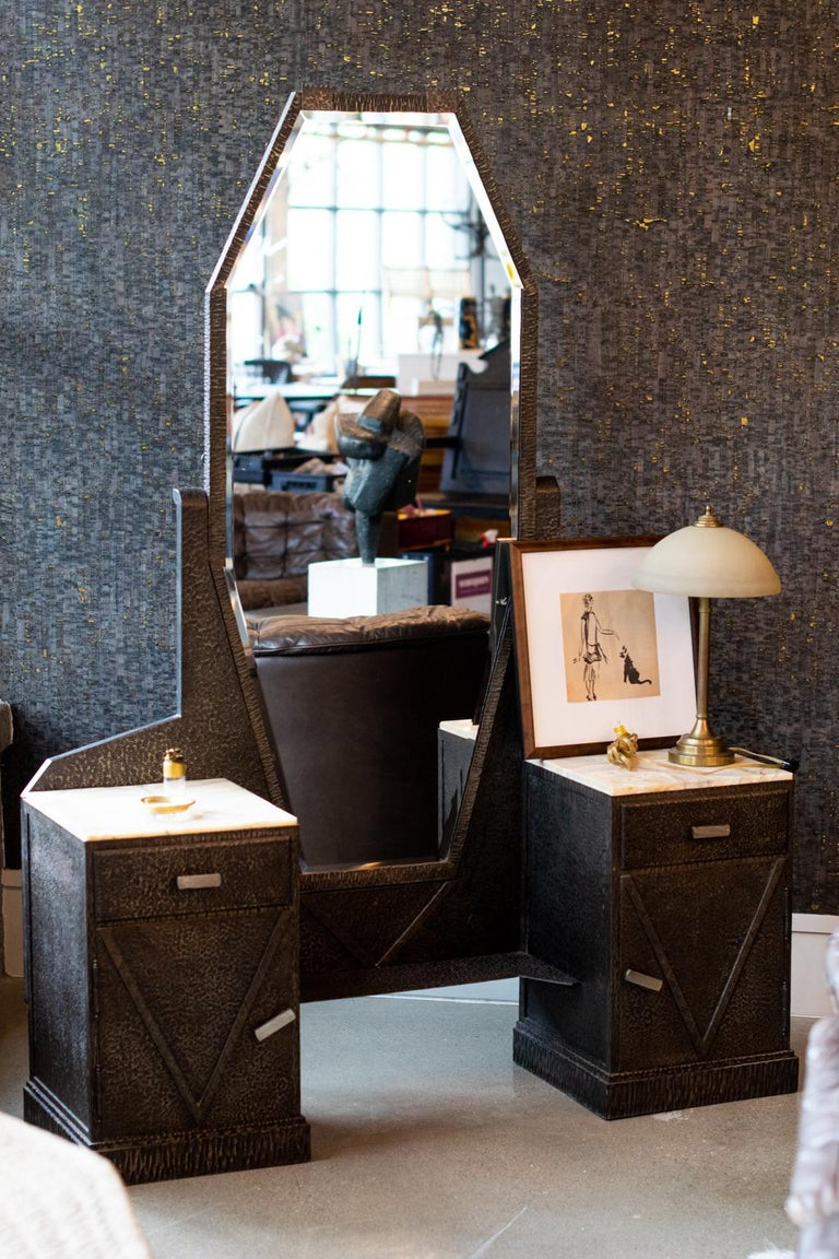 French Art Deco Mirrored Vanity with Cabinet in Hammered Steel and Onyx, 1930s For Sale