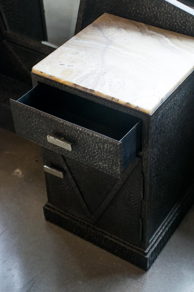 Art Deco Mirrored Vanity with Cabinet in Hammered Steel and Onyx, 1930s For Sale 2