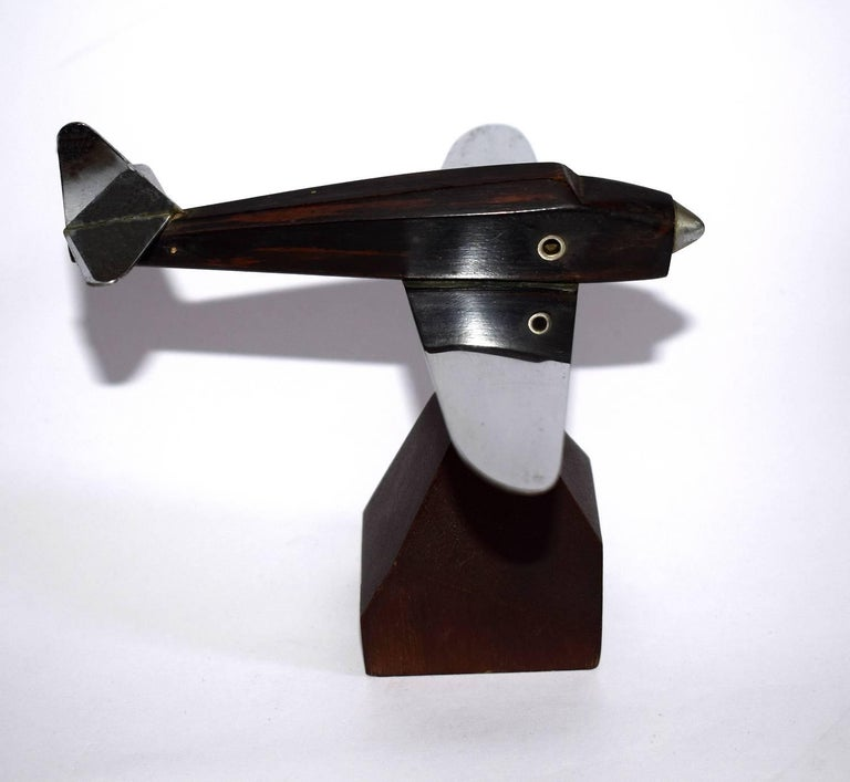 Originating from France is this wonderful Art Deco airplane model and dates to the 1930s. These make ideal paper weights or desk ornaments. This one is in great condition with no damage just minor signs indicating its age.