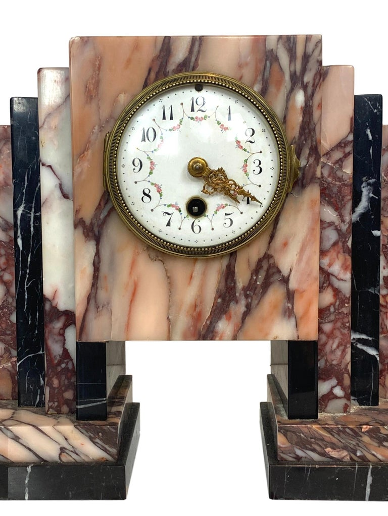 Art Deco Moderne Marble Bookends Mantle Clock, French, circa 1930s In Good Condition For Sale In Banner Elk, NC