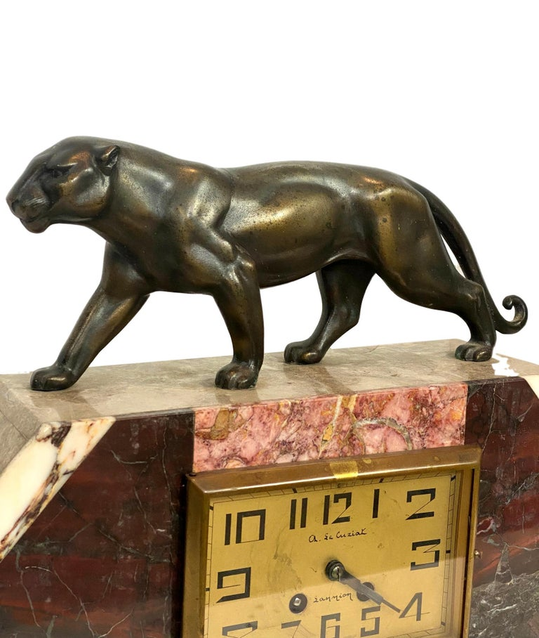 Art Deco Moderne Marble Mantel Clock with Panther, French, circa 1930s  In Good Condition For Sale In Banner Elk, NC