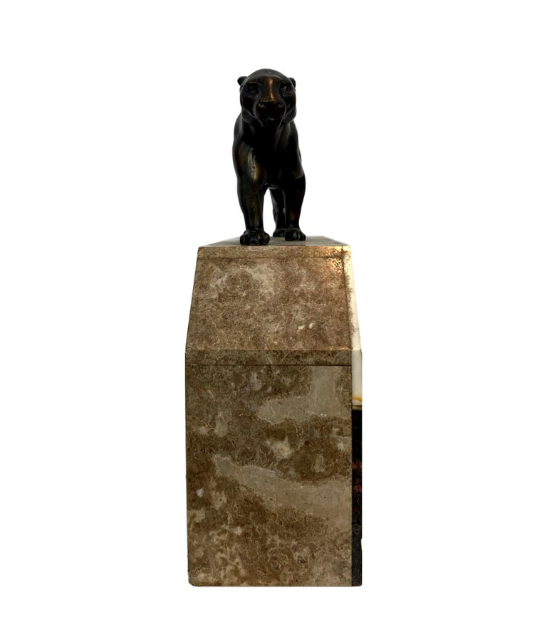 Art Deco Moderne Marble Mantel Clock with Panther, French, circa 1930s  For Sale 2