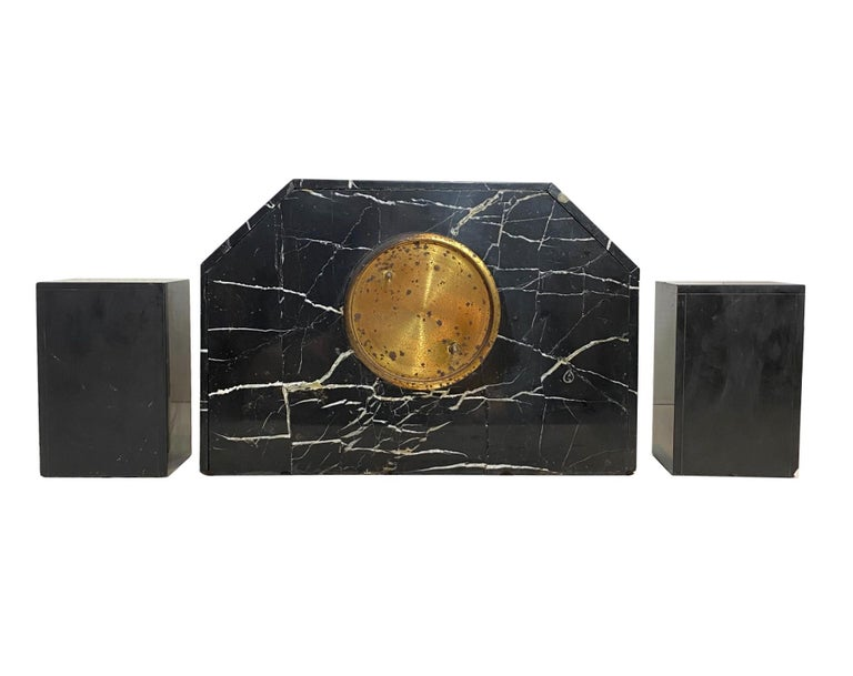 Art Deco Moderne Three-Piece Marble Clock Set, French, circa 1930s For Sale 2