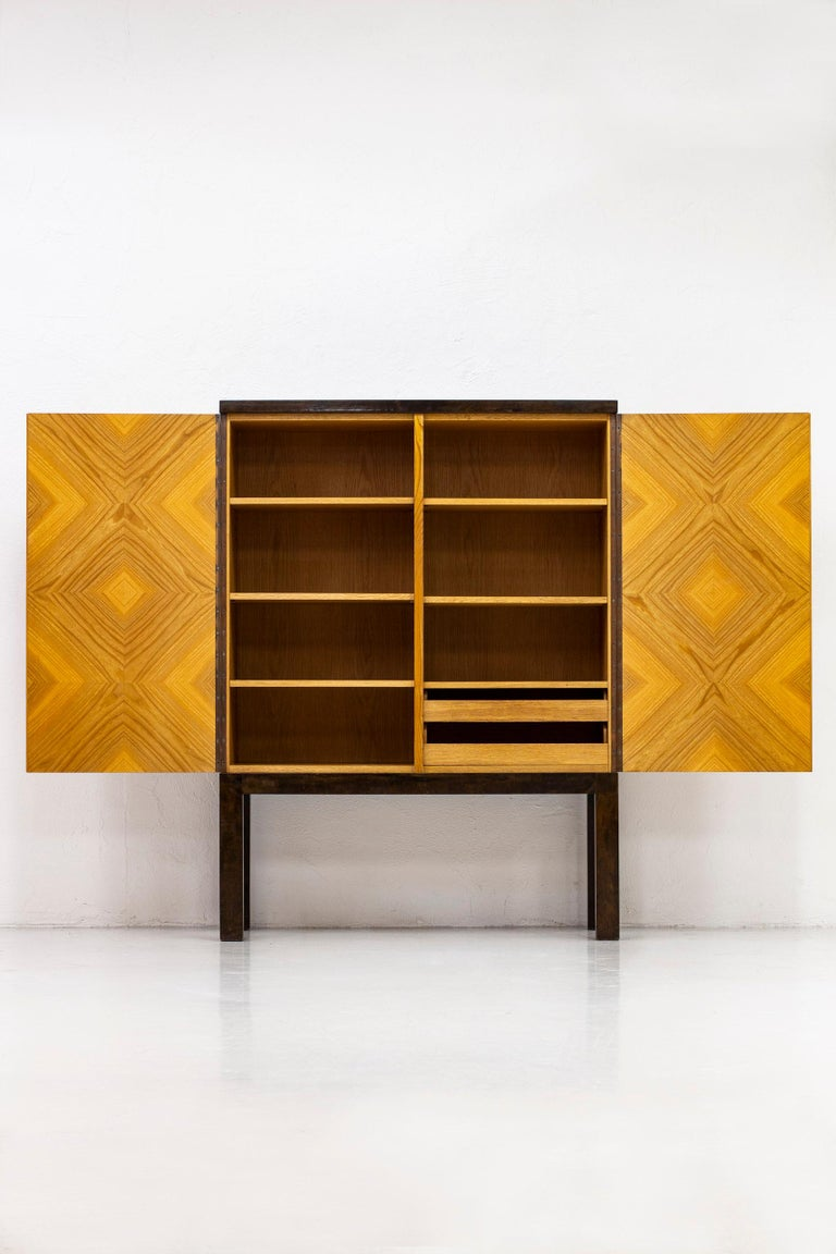 Art Deco/ Modernist Cabinet in the Style of Otto Schulz, Sweden, 1930s In Good Condition For Sale In Stockholm, SE
