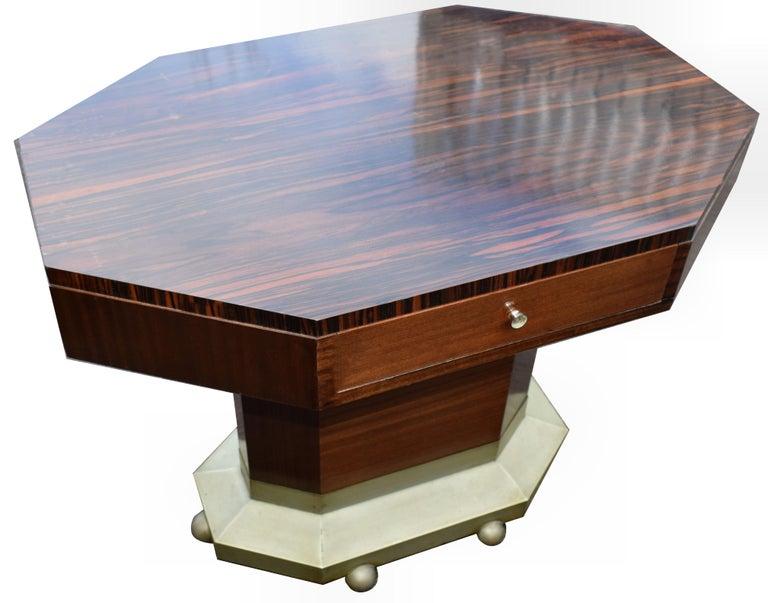 Art Deco Modernist Center Table in Ebony Macassar, circa 1935 In Good Condition For Sale In Devon, England