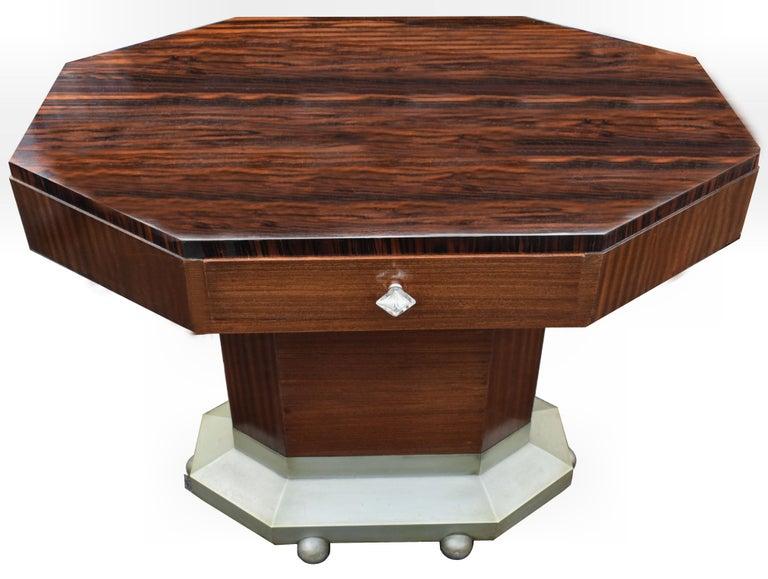 Art Deco Modernist Center Table in Ebony Macassar, circa 1935 For Sale 1