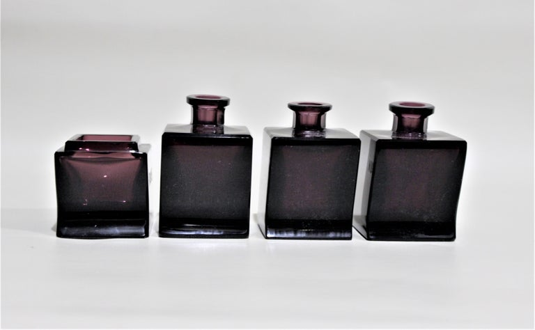 Art Deco Moser Style Interlocking Amethyst Crystal Perfume Bottles and Jar Set In Good Condition For Sale In Hamilton, Ontario