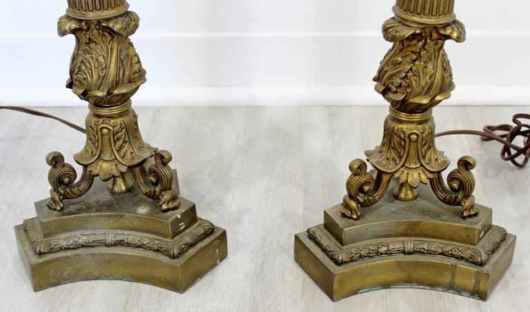 Art Deco Neoclassical Pair of William Kessler Bronze Table Lamps, 1930s For Sale 3