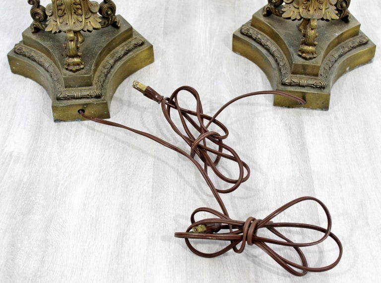 Art Deco Neoclassical Pair of William Kessler Bronze Table Lamps, 1930s For Sale 4