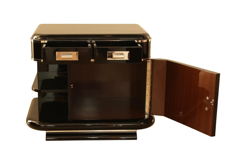 French Art Deco Nightstands, Black Lacquer, France, circa 1930 For Sale