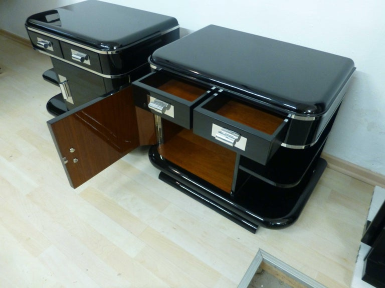 Art Deco Nightstands, Black Lacquer, France, circa 1930 For Sale 1