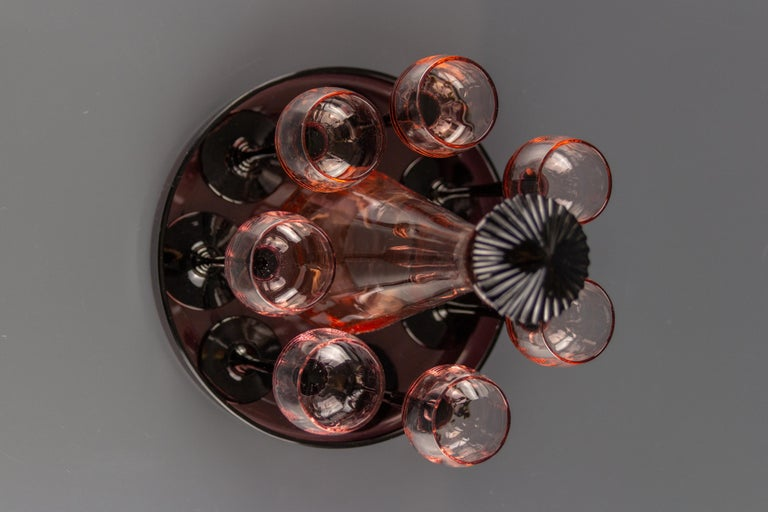 Art Deco Nine-Piece Liqueur Pink Glass Set, Decanter and Seven Glasses with Tray For Sale 5