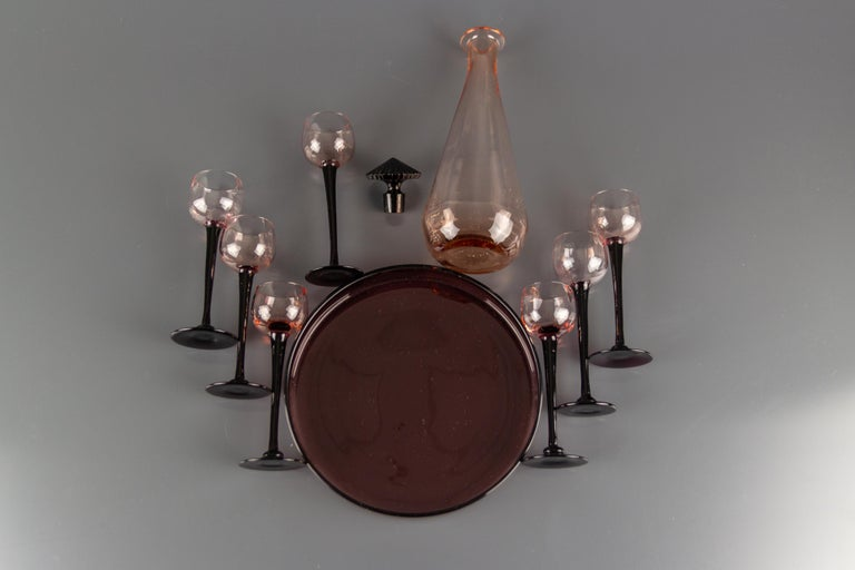 Art Deco Nine-Piece Liqueur Pink Glass Set, Decanter and Seven Glasses with Tray For Sale 7