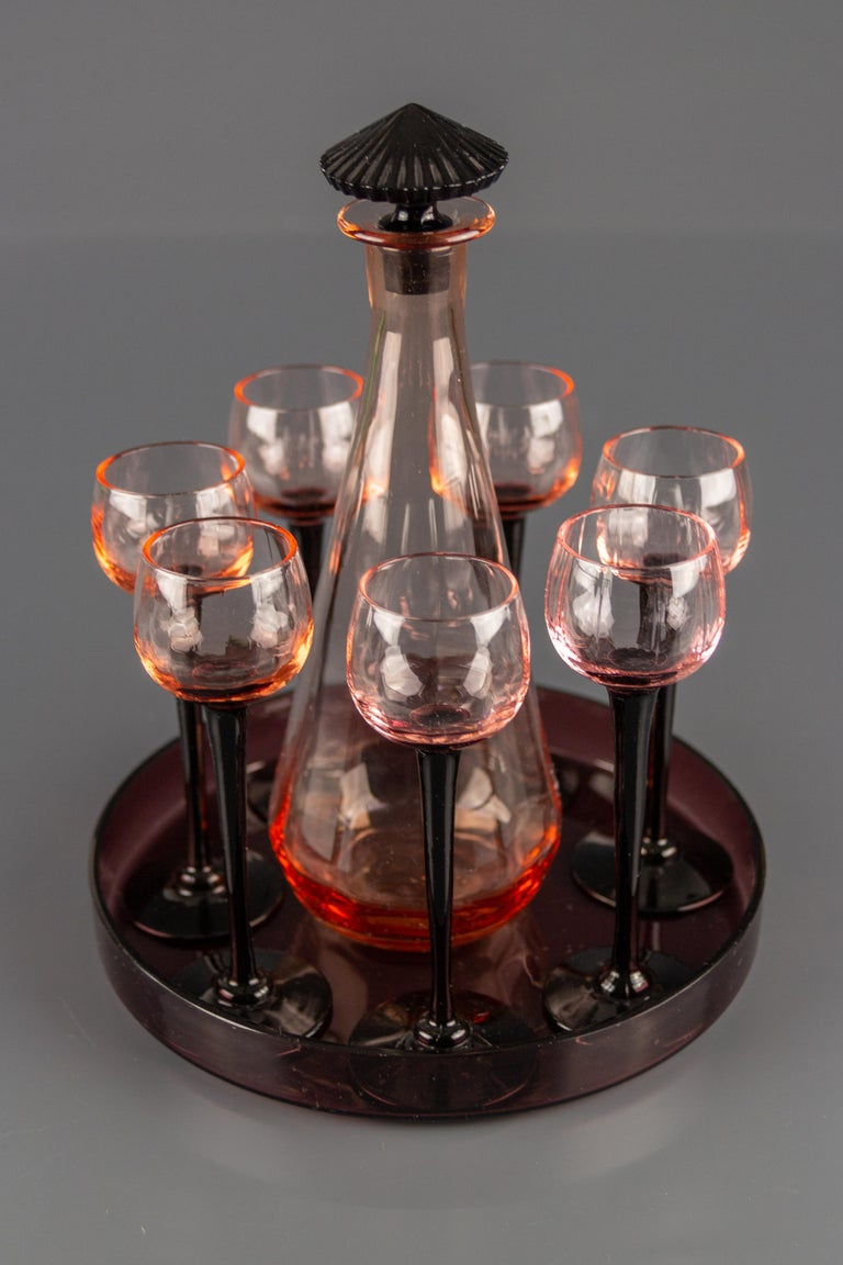 French Art Deco Nine-Piece Liqueur Pink Glass Set, Decanter and Seven Glasses with Tray For Sale
