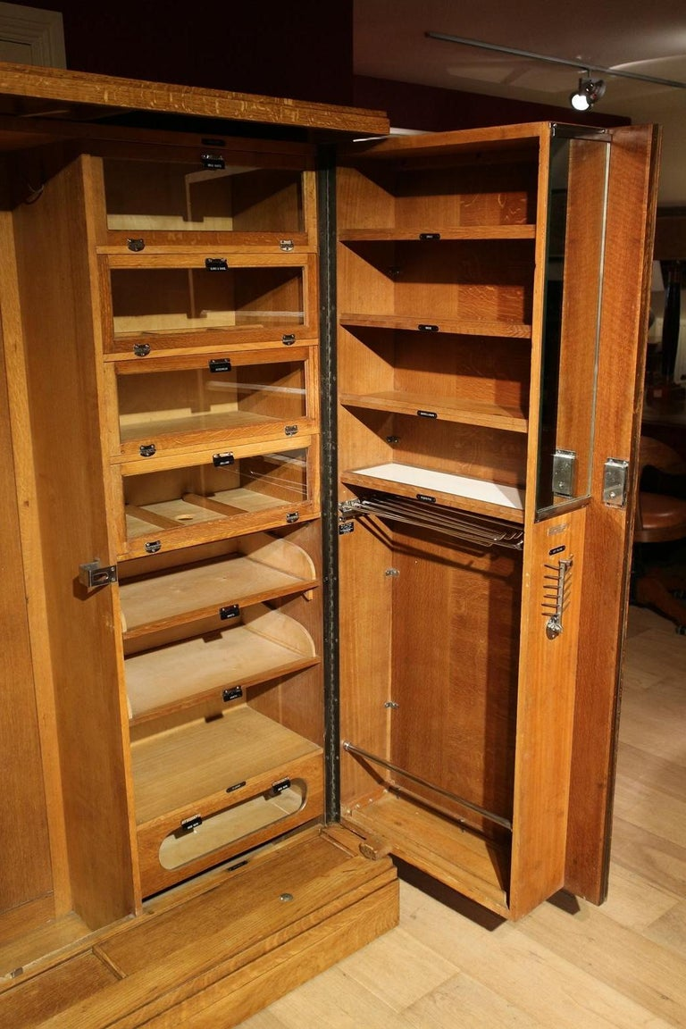 Compactom wardrobe with beautiful interior with a place for everything. Finished with beautiful interior with boxes, shelves, hangers, hooks and racks where everything has a place. The chrome on the inside is all in perfect condition.   In a nice